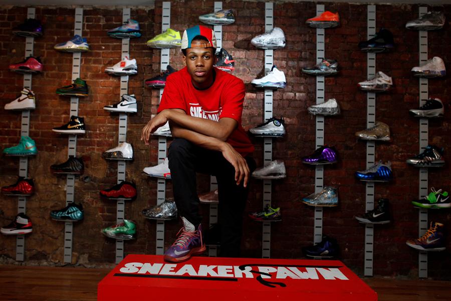 Sneaker Pawn Shop   Il primo pawn shop al mondo di sole sneakers