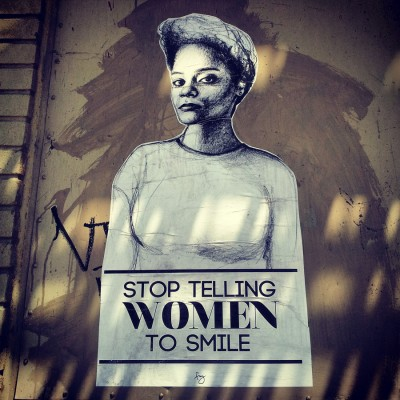 """Tatyana Fazlalizadeh avverte: """"Stop Telling Women to Smile"""""""