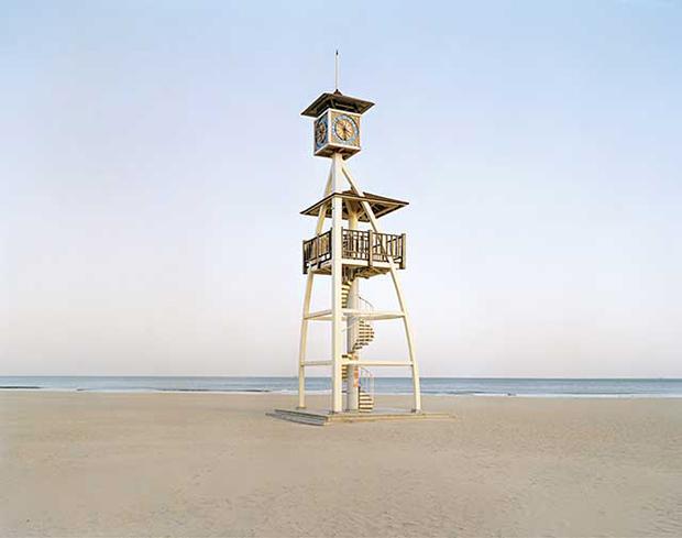 griot-magazine-non-è-dismaland--di-bansky-ma-chinese-fun-stefano-cerio-Shilaoren Bathing Beach, Qingdao