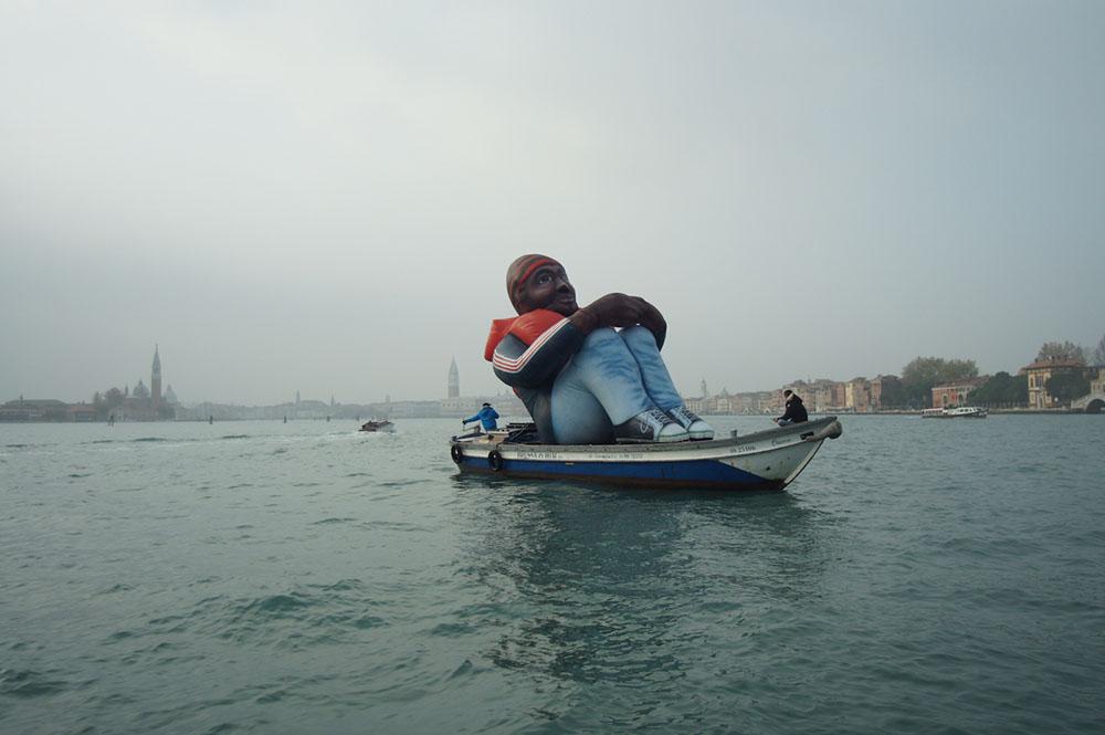 griot-mag-Dirk-Schellekens-Bart-Peleman-Inflatable-Refugee-biennale-Venezia