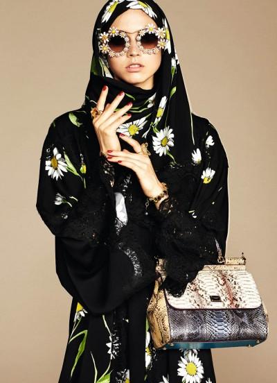 Ecco la collezione di hijab e abaya firmati Dolce & Gabbana