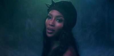 Drone Bomb Me | Naomi Campbell nel nuovo video di ANOHNI
