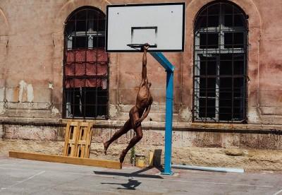 I ritratti e corpi metafisici di Luis Alberto Rodriguez