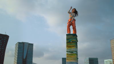 Rewear it | Ecco il nuovo video di M.I.A. per il riciclo degli abiti