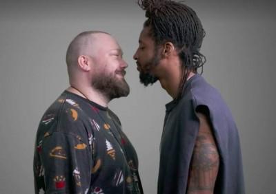 Men Kissing Men | This is how you troll a troll