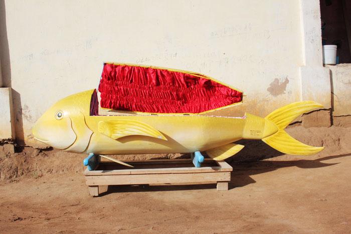 griot-mag-paa-joe-Coffin-maker-ghana-Paa-Joe-And-The-Lion-art-2