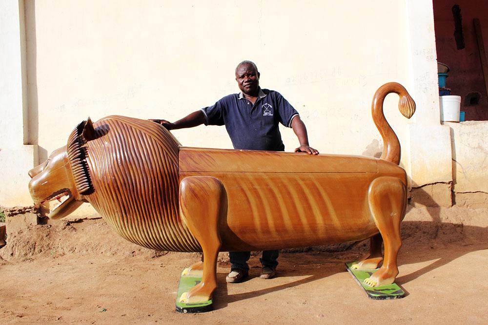 griot-mag-paa-joe-Coffin-maker-ghana-Paa-Joe-And-The-Lion- artwork