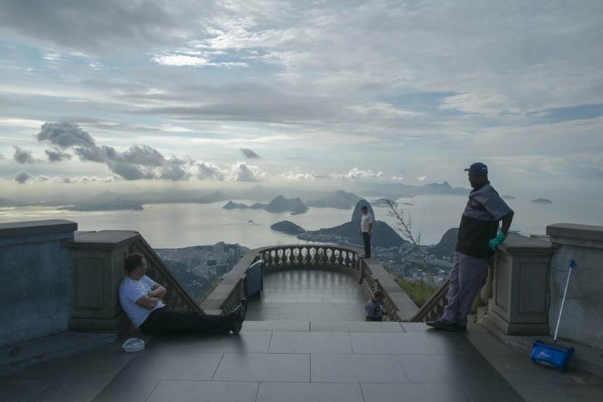 griot-mag-oliver-curtis-lato-b-dei-monumenti-Cristo-Redentore-Brasile