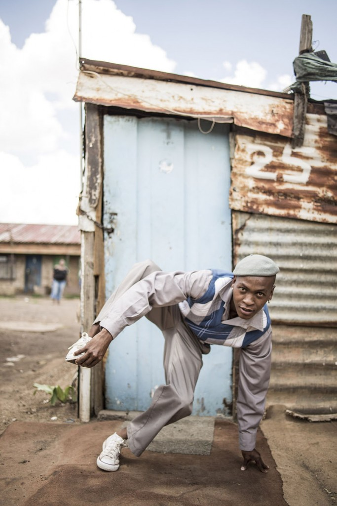 griot-mag-Pantsula-2-Dance- 4 LYF - south-africa-Chris Saunders-The Perfect Storm - Soweto