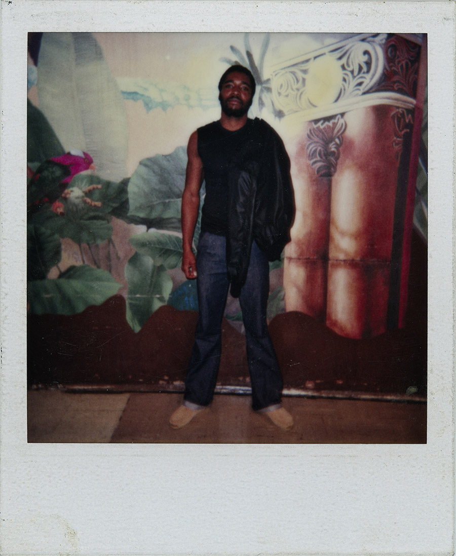 griot-mag-interview-Fade Resistance | Zunn Lee's project restores orphaned Polaroids of Black families-7b