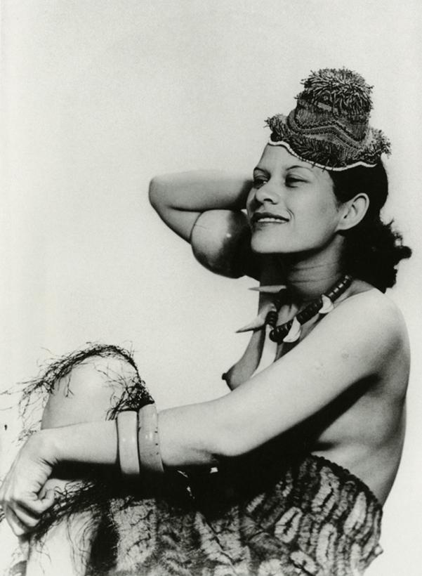 """Adrienne Fidelin 