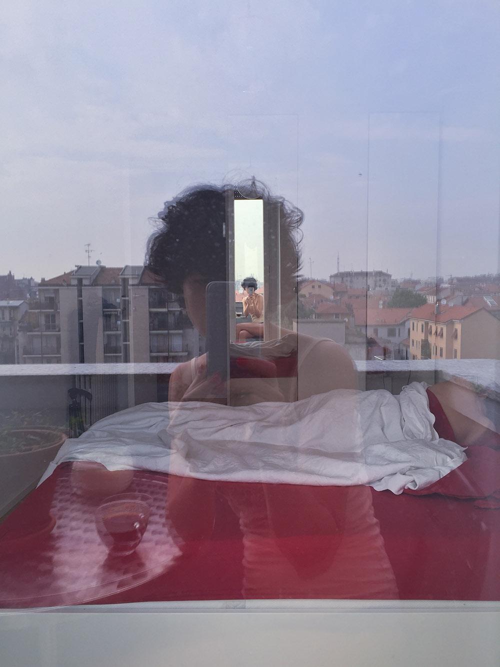 Olga Blacker | Dai selfie agli #antiselfie, una finestra sulla nostra società