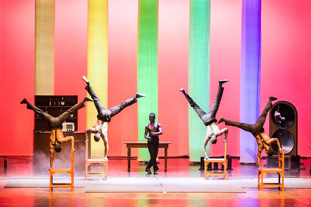 L'arte acrobatica dei Black Blues Brothers sbarca al Teatro Quirino