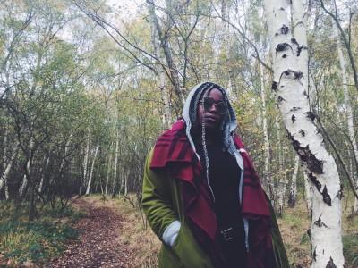 'Italy' di Lina Simons | La rapper afroitaliana che stavamo tutti aspettando