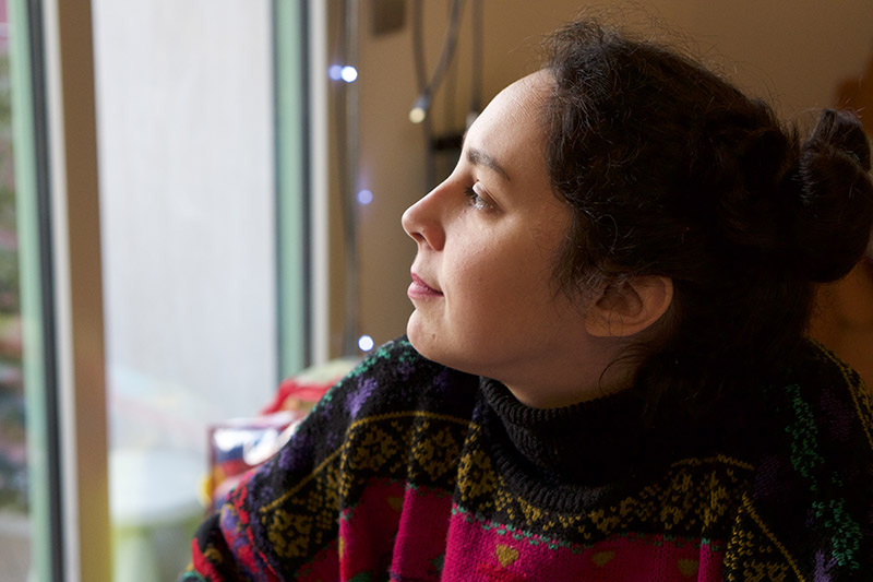 I mondi onirici e transculturali di Noura Tafeche in mostra a Milano