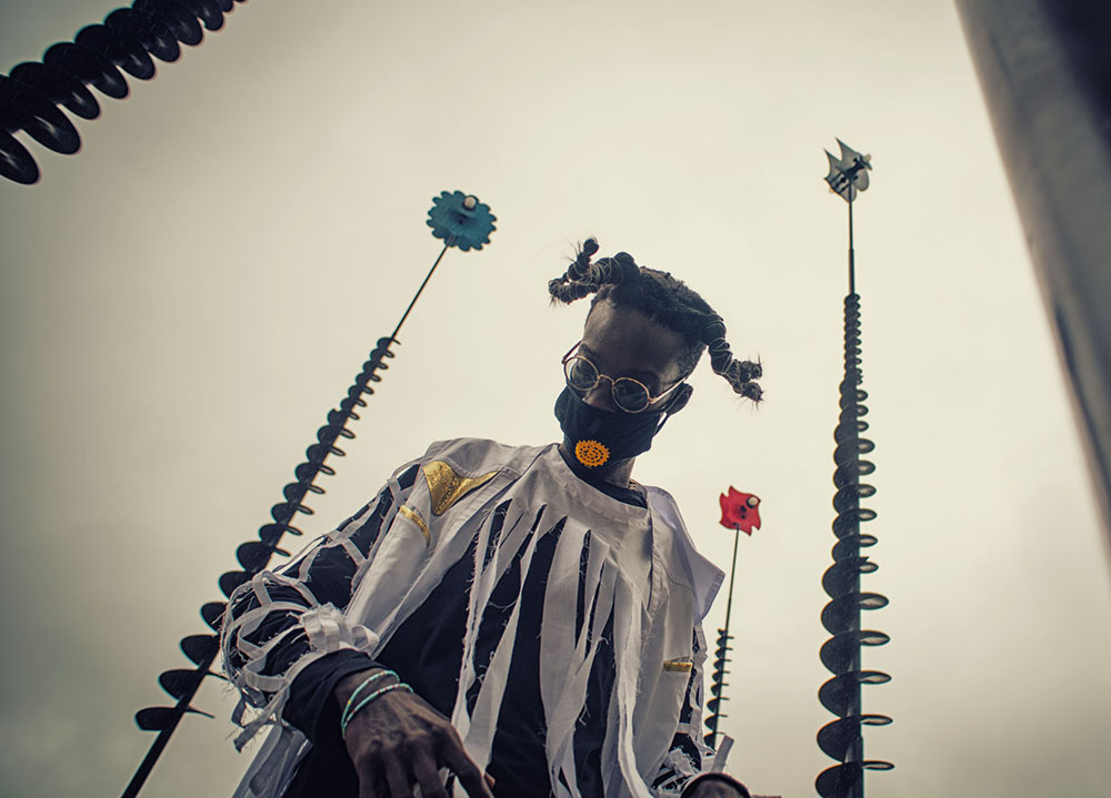 Ibaaku   Il Seneg-Alien di Dakar torna a Roma e Firenze