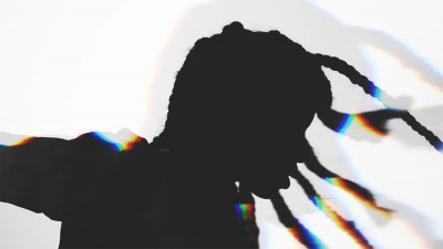 Vhelade, il nuovo singolo è 'Straniero'