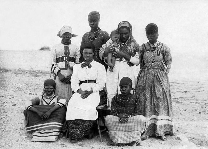 griot mag africa namib deserto toto installation namibia herero