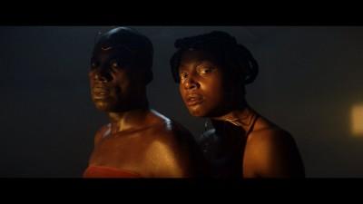 'Ina (Light)' | Combattere l'oscurità dell'oppressione con la danza