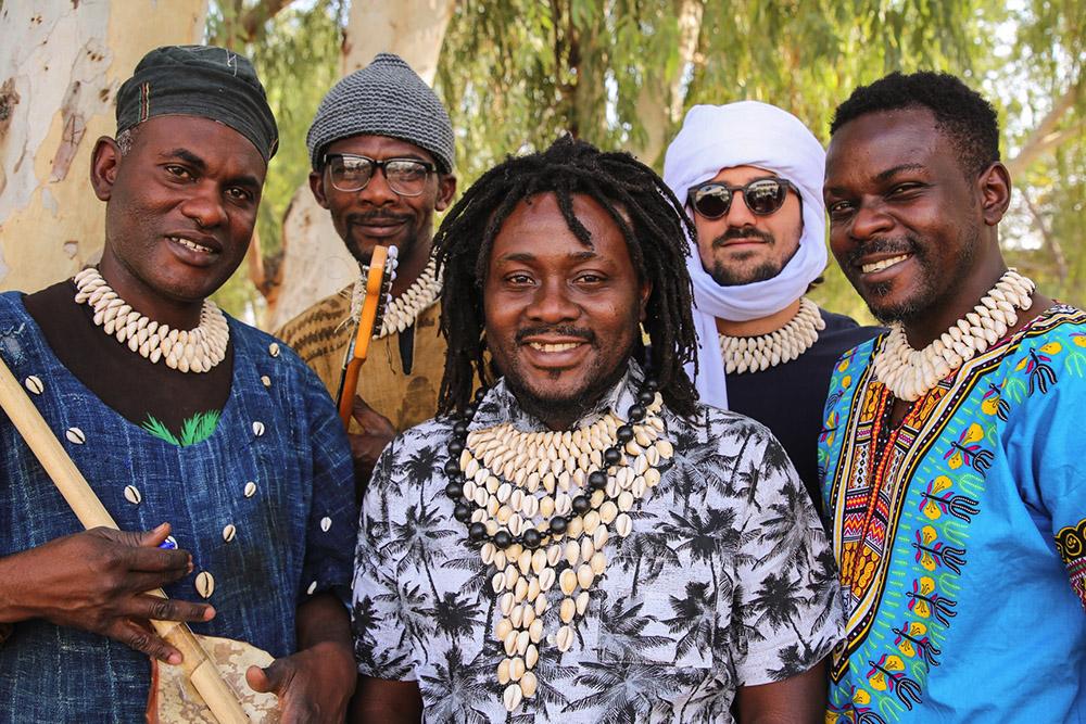 'Desert to Douala' | L'album di debutto dei PULO NDJ mette la musica del Ciad sulla mappa