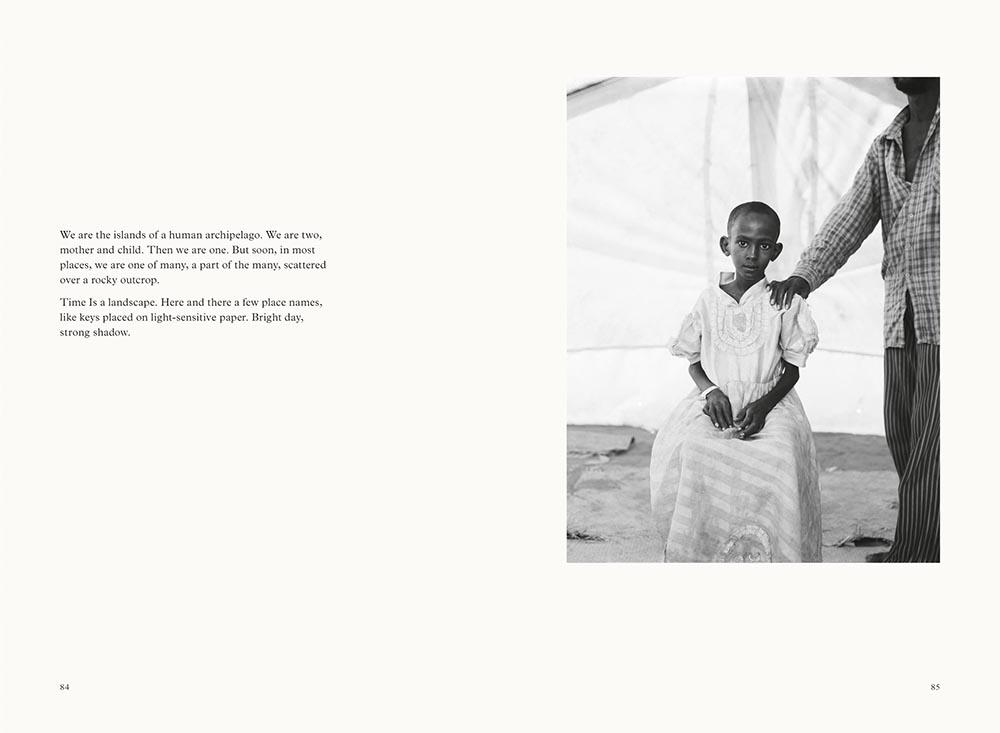 'Human Archipelago'   Teju Cole e Fazal Sheikh esplorano il concetto di ospitalità nel loro nuovo fotolibro