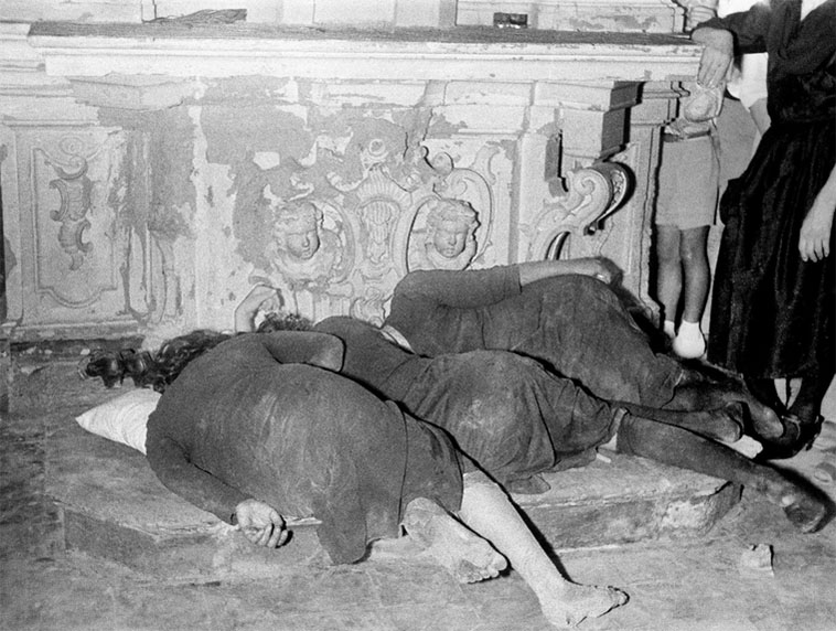 griot mag Tarantismo, Galatina, 1954. Photo © Chiara Samugheo
