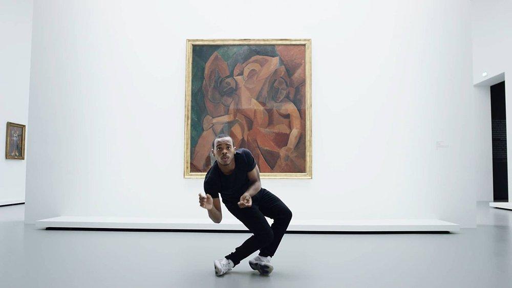 griot mag Lil Buck che danza davanti ai Picasso e Matisse alla Fondazione Louis Vuitton è tutto
