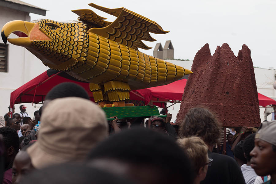 griot-mag-paa-joe-Coffin-maker-ghana-Paa-Joe-And-The-Lion-.5