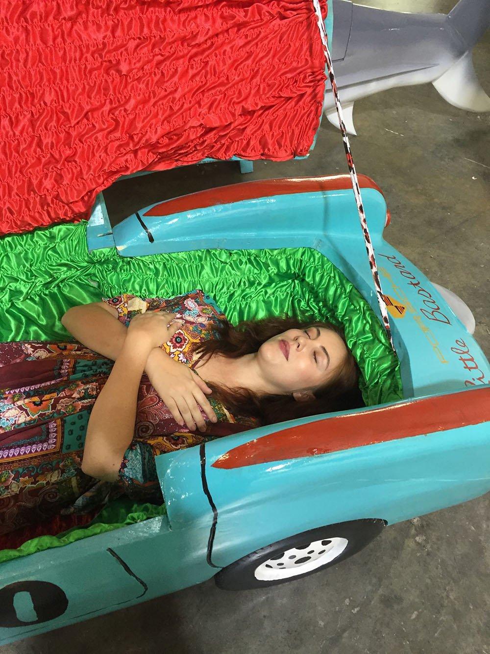 griot-mag-paa-joe-Coffin-maker-ghana-Paa-Joe-And-The-Lion-.6