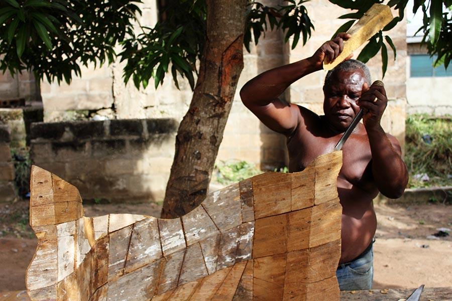 griot-mag-paa-joe-Coffin-maker-ghana-Paa-Joe-And-The-Lion-.7