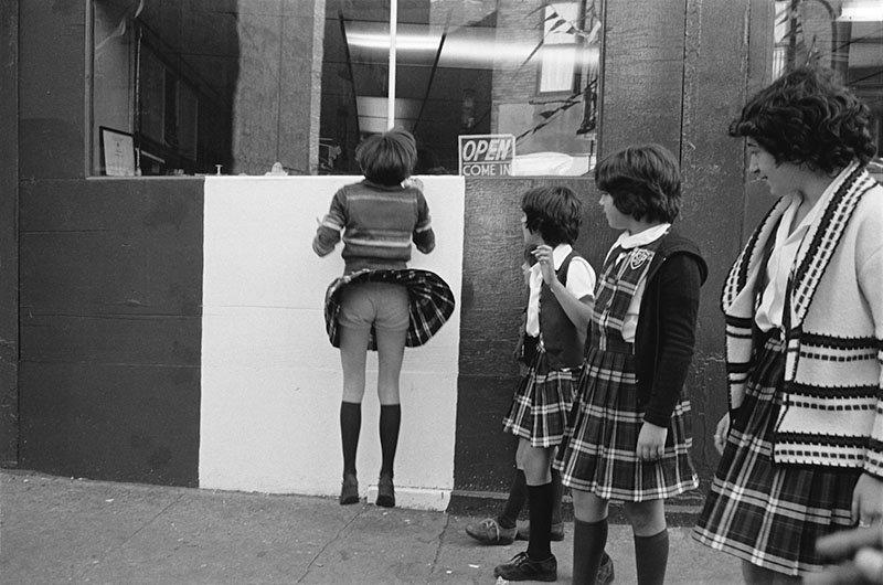 griot-mag-Susan Meiselas -prince-street-girls-all'American Academy in Rome-2