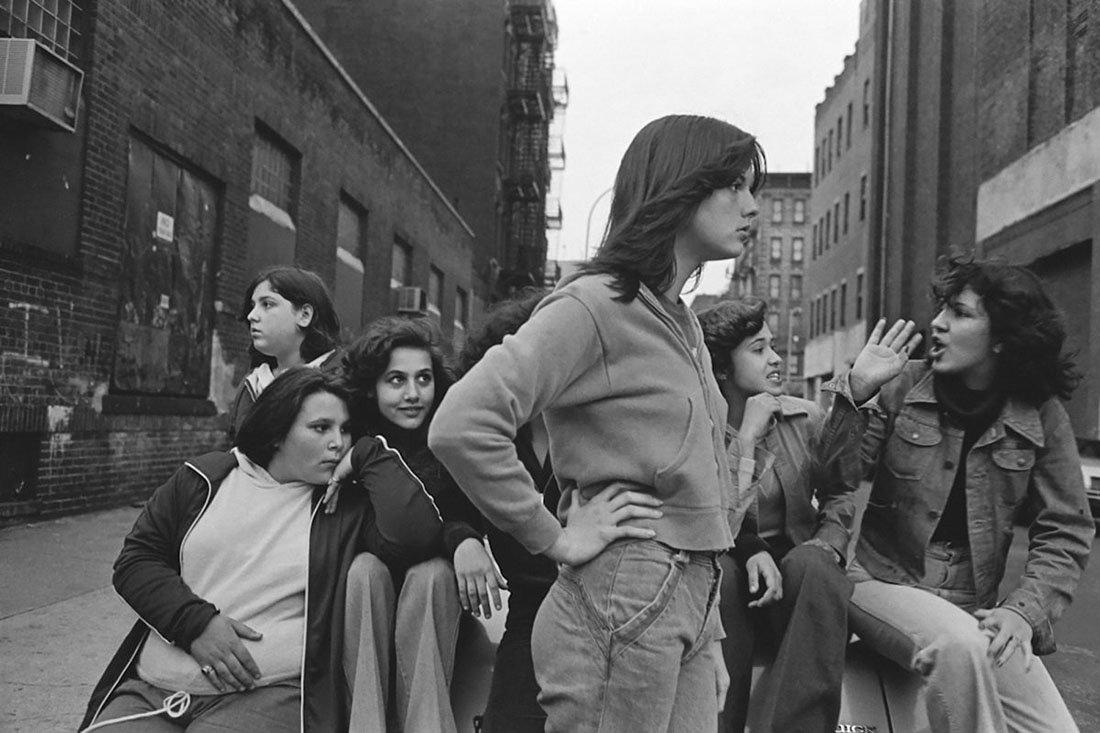 griot-mag-Susan Meiselas -prince-street-girls-all'American Academy in Rome