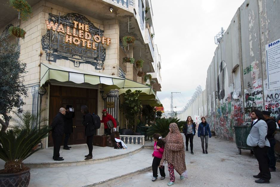 griot-mag-Walled Off   Banksy apre il primo hotel di Betlemme con la peggiore vista al mondo