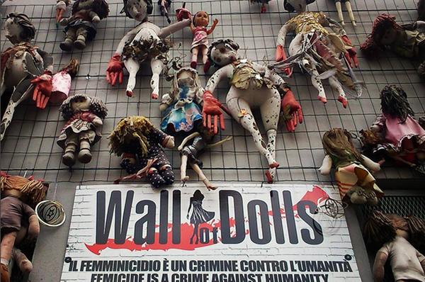 griot-mag-walls-of-dolls-muri-di-bambole-giornata-mondiale-contro-le-donne-jo-squillo_.jph