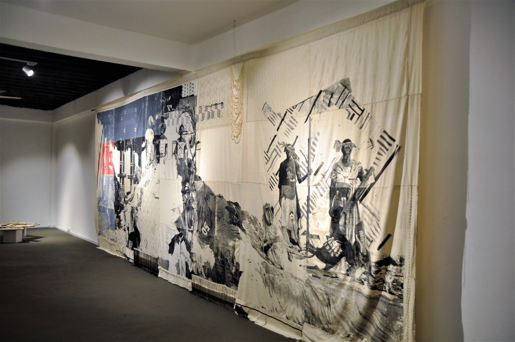 griot-mag-zohra-opoku-installation-view-we-were-queens-and-kings-1024x680