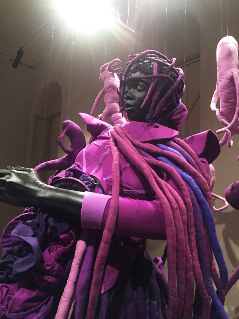 griot- mag_ mary sibande I came apart at the seam solo show mostra personale somerseth house interview intervista