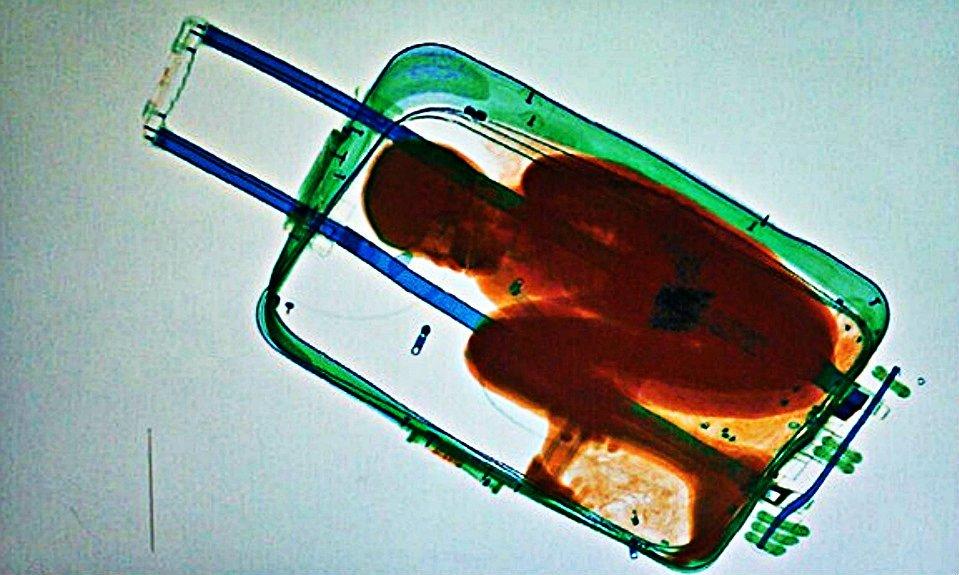 griot-magazine-bambino-parte-da-ceuta-chiuso-in-valigia-emigrazione