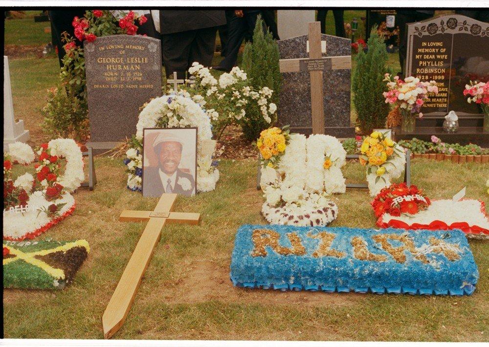 Griot magazine ©Charlie Phillips - Funerali caraibici di Londra_7