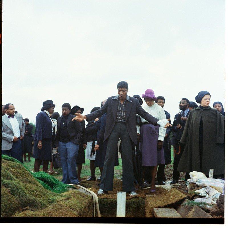 Griot magazine ©Charlie Phillips - Funerali caraibici di Londra_8