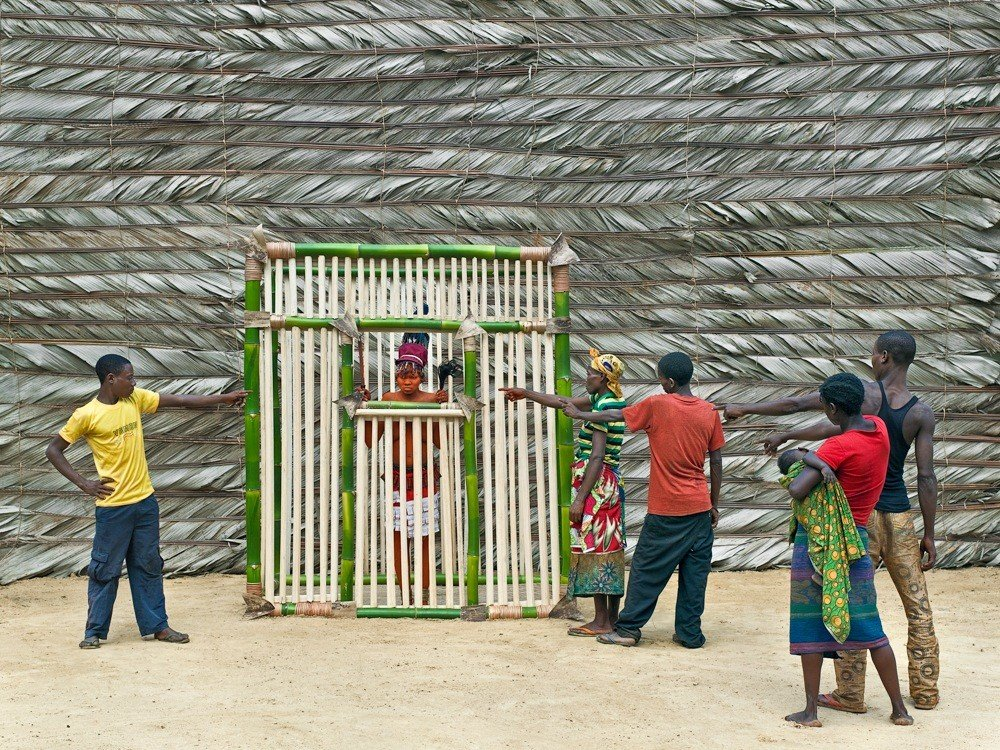 Griot Magazine Sono una Walé Portatemi rispetto ©Patricq Willoq_Walé Asongwaka, sentenced to jail