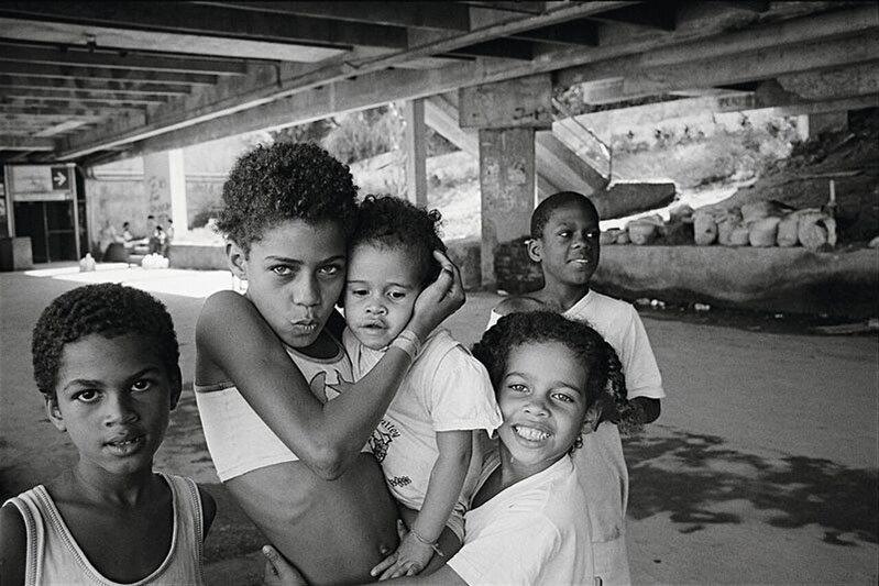 """Little Ones   Alessia Bulgari racconta """"i suoi bambini"""" in un libro fotografico-Rio de Janeiro, Brasile 1996"""