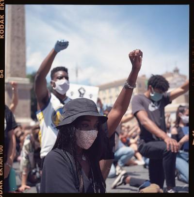 Black Lives Matter | Roma in ginocchio contro il razzismo