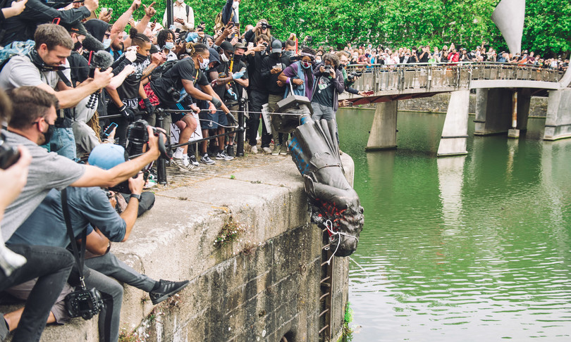 griot mag Edward Colston statua rimossa buttata nel fiume bristol