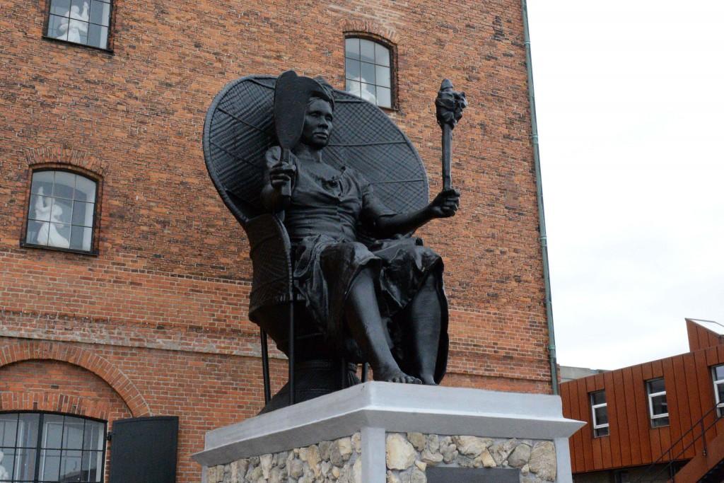 griot mag Mary Thomas danimarca statua donna nera eroe eroina